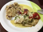Peixe Assado com Ervas Tomates e Amendoas e Cuzcuz Marroquino com Azeitonas e Cebola